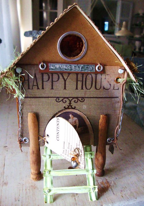 Happy House 010